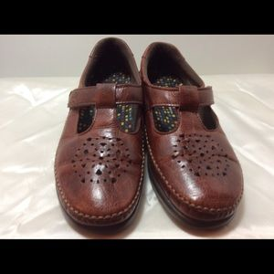 SAS Size 6 1/2 Loafers